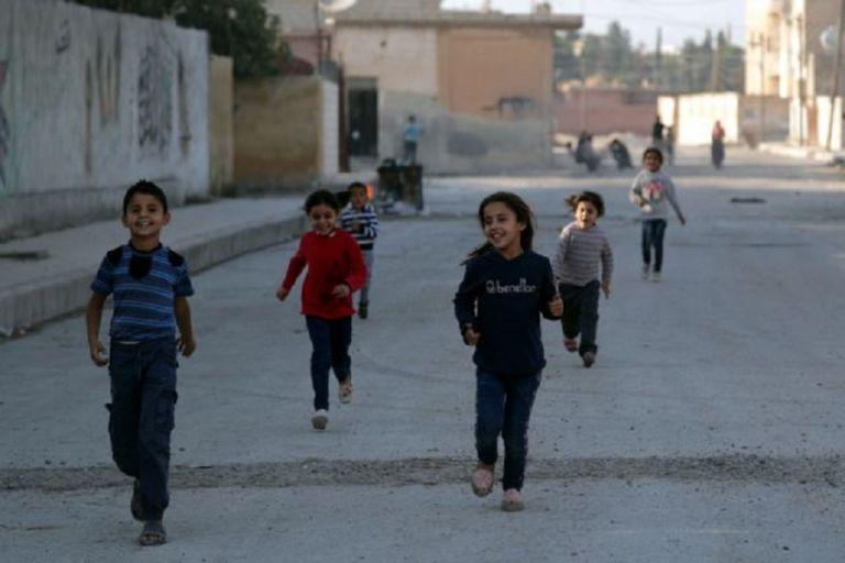 Συρία: Μικρά παιδιά απευθύνουν έκκληση να μην πέσουν στα χέρια του ISIS | to10.gr