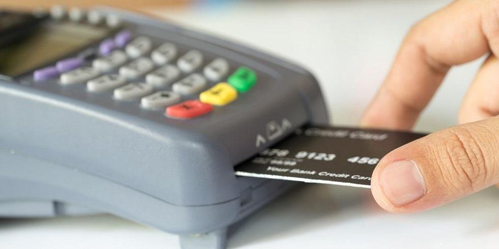 Φόρος : Πώς οι πληρωμές με κάρτες απειλούν τα εισοδήματά μας | to10.gr
