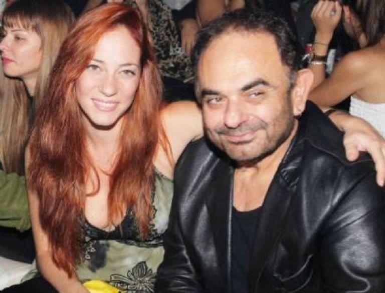 Σάκης Μπουλάς: Σπάνια βραδινή έξοδος για την τελευταία σύντροφο του! | to10.gr