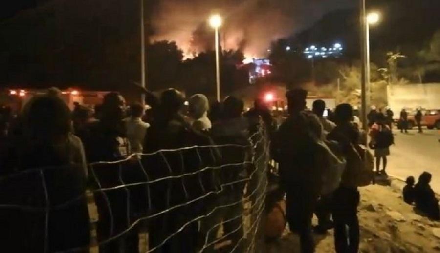 Φωτιά στο κέντρο υποδοχής προσφύγων στη Σάμο – Προηγήθηκε σύγκρουση | to10.gr