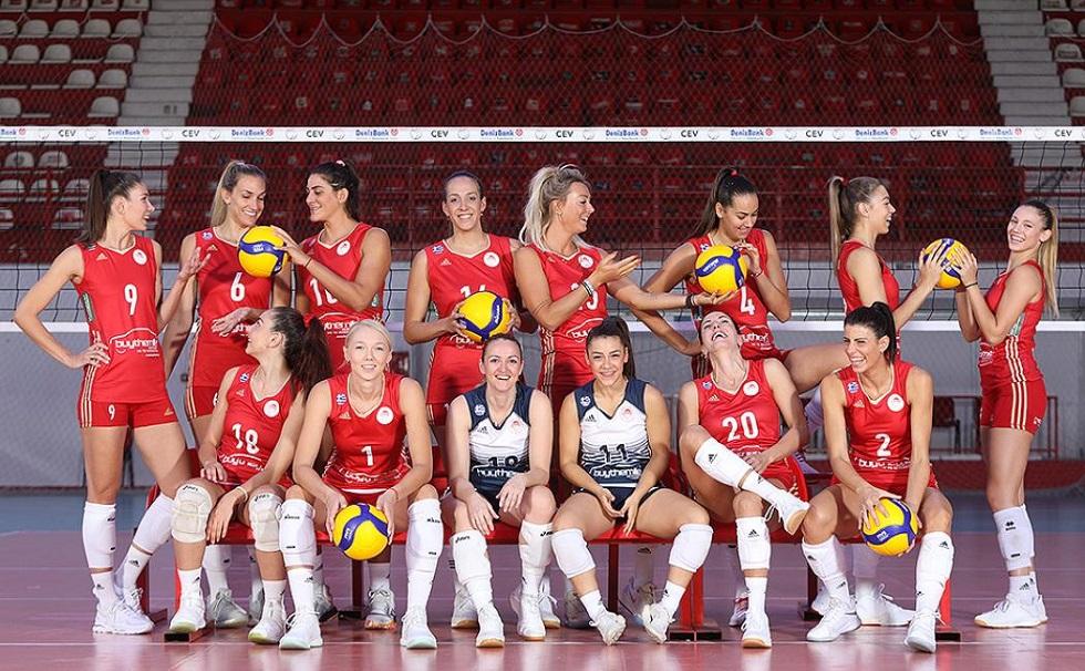 Ετοιμες για την πρεμιέρα οι γυναίκες του Ολυμπιακού   to10.gr