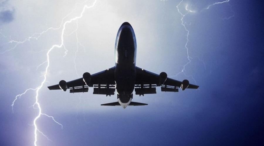 Αναγκαστική προσγείωση αεροσκάφους λόγω κακοκαιρίας στα Χανιά | to10.gr
