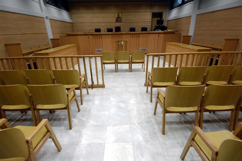 Ξεκίνησε η δίκη του ηθοποιού που κατηγορείται ότι βίασε οδηγό ταξί | to10.gr
