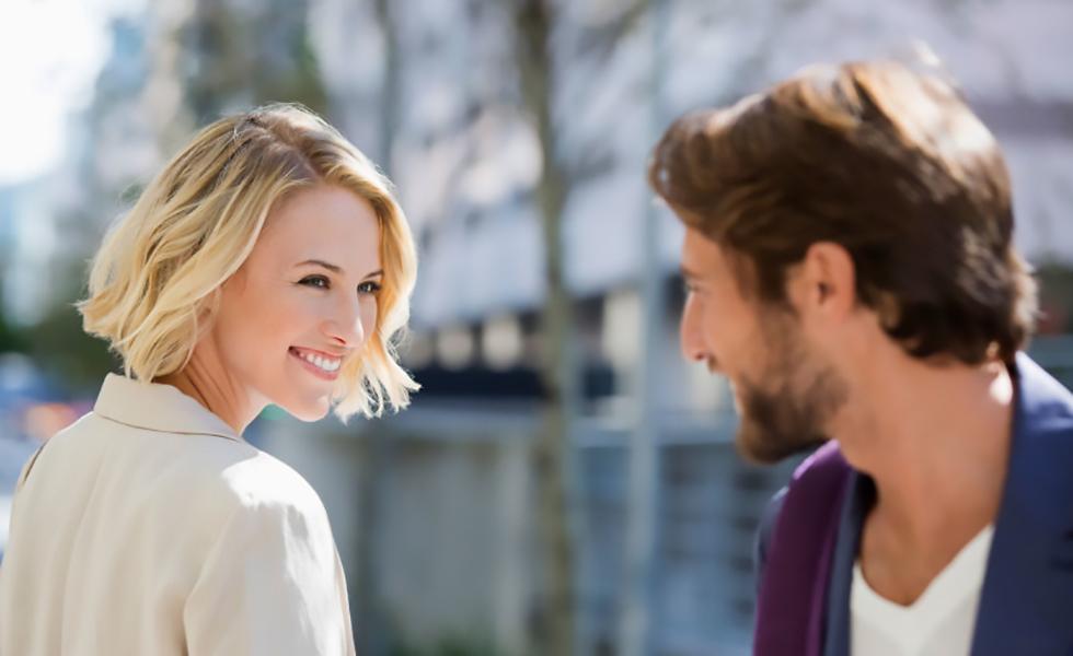 Ερωτας με την πρώτη ματιά: Υπάρχει ή είναι ένα μεγάλο ψέμα;   to10.gr