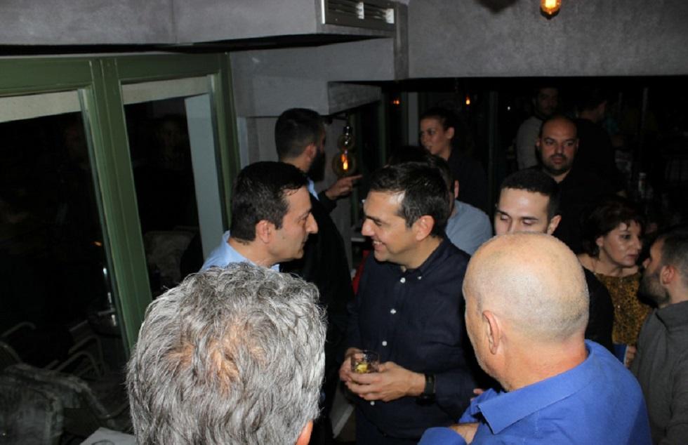 Χαλαρές στιγμές σε μπαρ της Κοζάνης για τον Τσίπρα (vid)   to10.gr