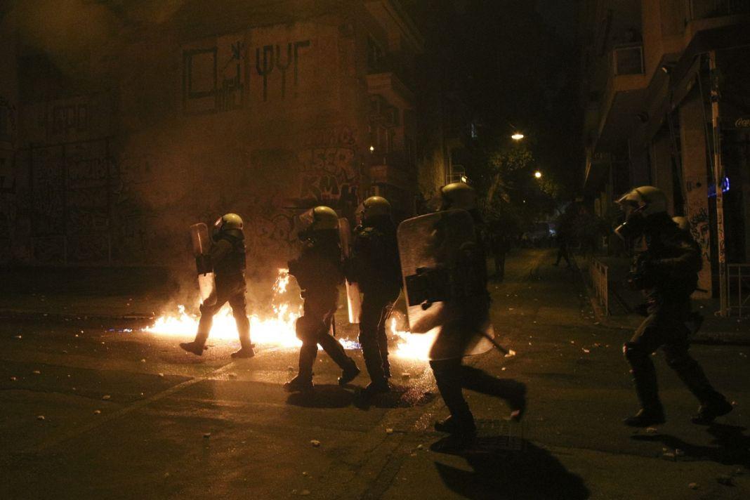 Νέο βίντεο βίαιης αστυνομικής καταστολής στα Εξάρχεια από την επέτειο του Γρηγορόπουλου | to10.gr