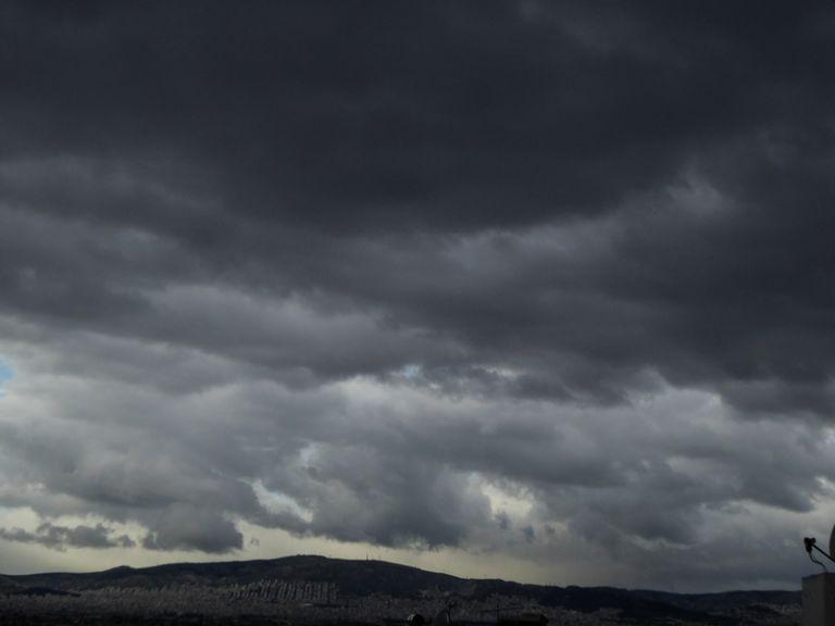 Συννεφιά και κρύο φέρνει ο καιρός | to10.gr