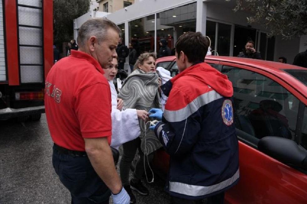 Φωτιά σε ξενοδοχείο στη Συγγρού: Μία 24χρονη διασωληνωμένη- Συγκλονιστικά καρέ από την επιχείρηση | to10.gr