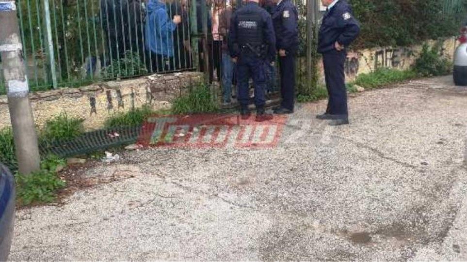 Ρίψη καπνογόνων σε σχολείο στην Πάτρα – Στο vοσοκομείο καθηγήτρια και μαθητής | to10.gr