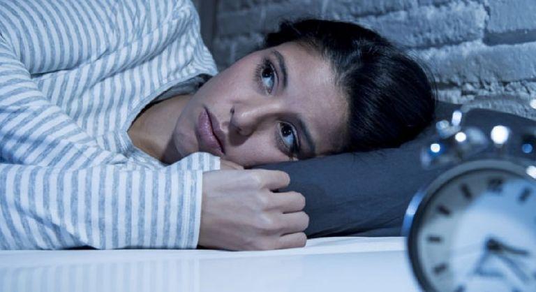 Έχετε αϋπνίες; Ακολουθήστε τη μέθοδο 4-7-8 και θα κοιμηθείτε αμέσως! (vid) | to10.gr