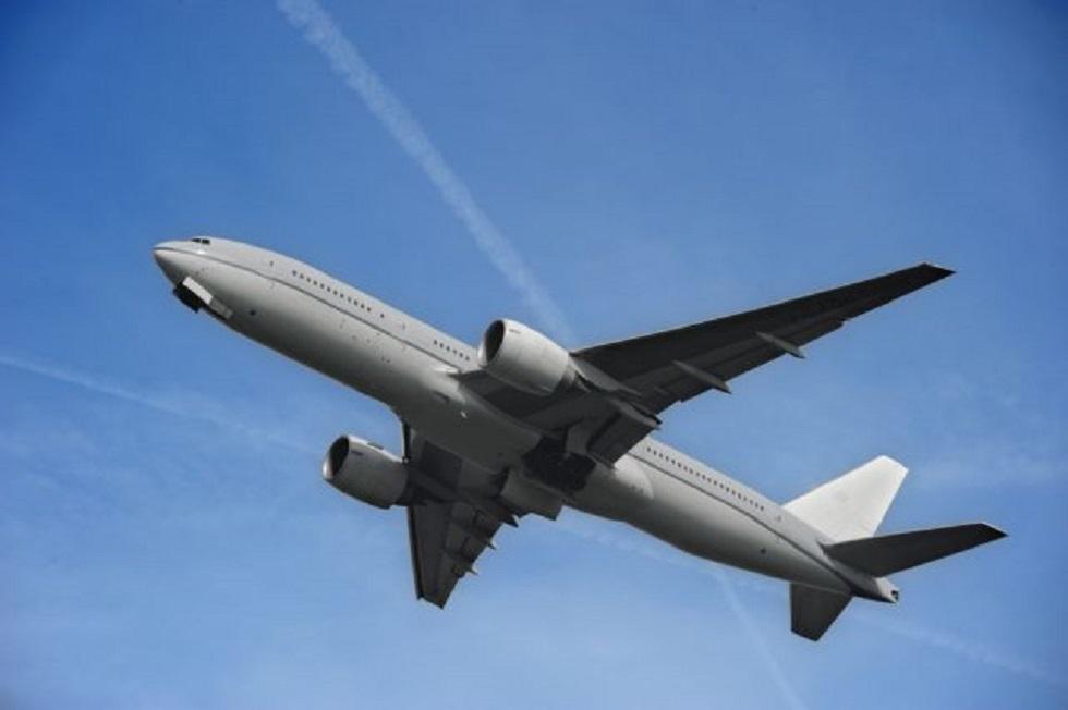 Αναγκαστική προσγείωση αεροσκάφους: Επιβάτης ισχυρίστηκε ότι έχει εκρηκτικά | to10.gr