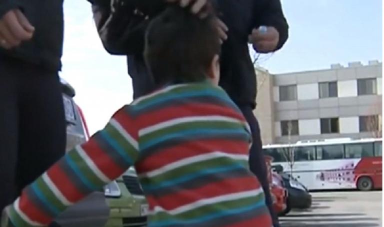 Σοκ στη Θεσσαλονίκη: Τρίχρονο αγοράκι παρέλυσε από εμβόλιο ανεμοβλογιάς | to10.gr