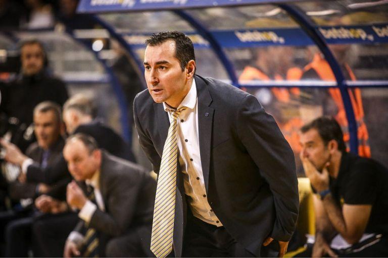Καμπερίδης: «Πρέπει να διεκδικήσουμε το παιχνίδι» | to10.gr