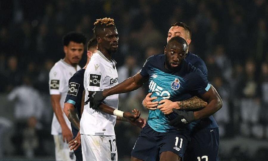 Σκηνές ντροπής στην Πορτογαλία: Ο Μαρεγκά δέχθηκε ρατσιστική επίθεση και αποχώρησε από το γήπεδο (vid) | to10.gr