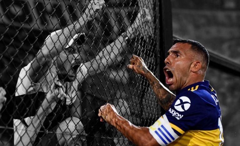 Σταματάει το ποδόσφαιρο ο Τέβες; | to10.gr