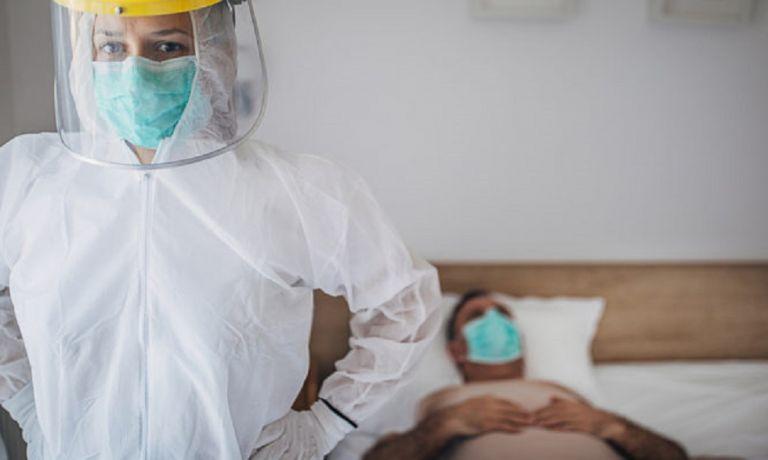 Κορονοϊός: Βήμα-βήμα πώς χειριζόμαστε τα προστατευτικά ρούχα και αξεσουάρ όταν μπαίνουμε και βγαίνουμε σε δωμάτιο ασθενούς   to10.gr