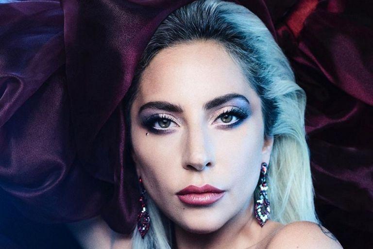 Lady Gaga : Φόρεσε μια μάσκα που θα… συζητηθεί (pics) | to10.gr
