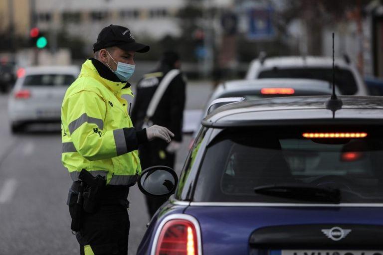 Απαγόρευση κυκλοφορίας: 1.143 παραβάσεις και 9 συλλήψεις σε μία μερα | to10.gr