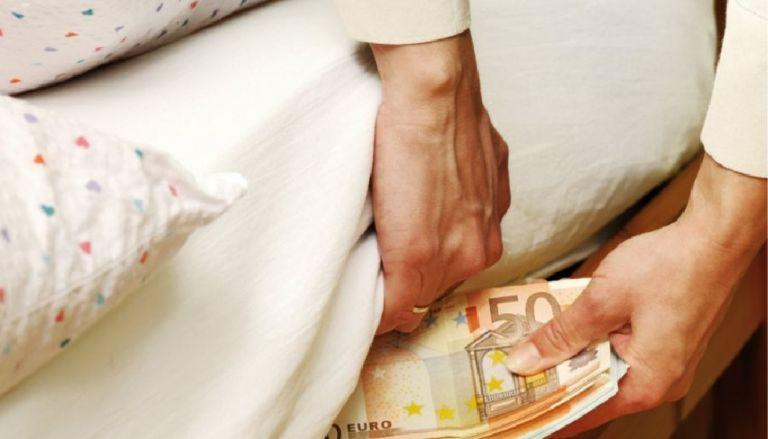 Κορωνοϊός: Μαζεύουν εκ νέου μετρητά στο «στρώμα» οι Ευρωπαίοι | to10.gr