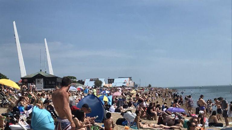 Κορωνοϊός: SOS από τις υγειονομικές αρχές για την κοσμοσυρροή σε παραλίες της Ευρώπης   to10.gr