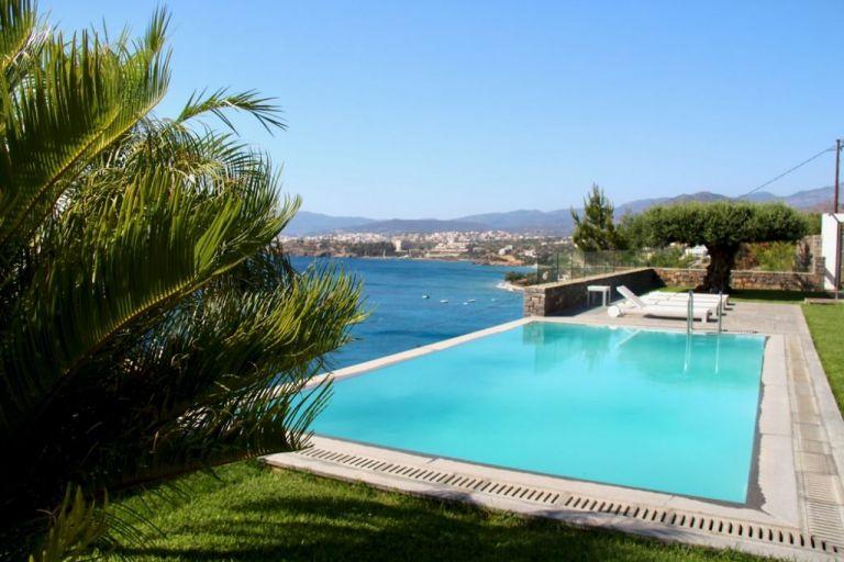 Η Ελλάδα έτοιμη να υποδεχτεί τουρίστες: Η νέα κανονικότητα και τα αυστηρά πρωτόκολλα   to10.gr
