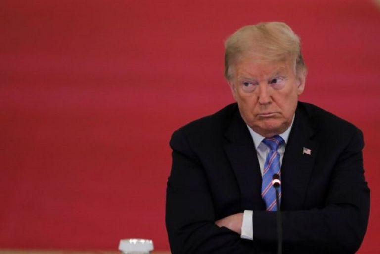 Τραμπ : Αποδοκιμάστηκε στην απότιση φόρου τιμής στην Γκίνσμπεργκ | to10.gr