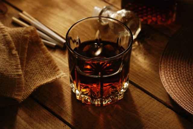 Τα ζώδια και οι «τοξικές» καταστάσεις: Τσιγάρα, ποτά, σχέσεις κ.α. Αφού σε χαλάει, γιατί το συνεχίζεις;   to10.gr