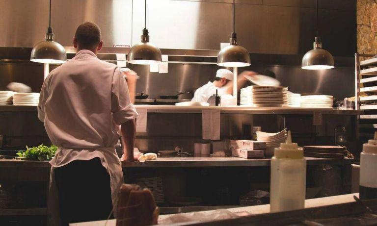 Άλλος άνθρωπος: Δείτε πώς είναι σήμερα πασίγνωστος σεφ   to10.gr