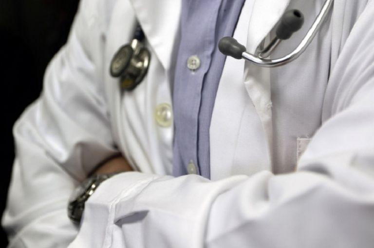 Ψευτογιατρός : Πουλούσε δήθεν γνήσια φάρμακα για χημειοθεραπεία – Τι καταγγέλλει θύμα   to10.gr