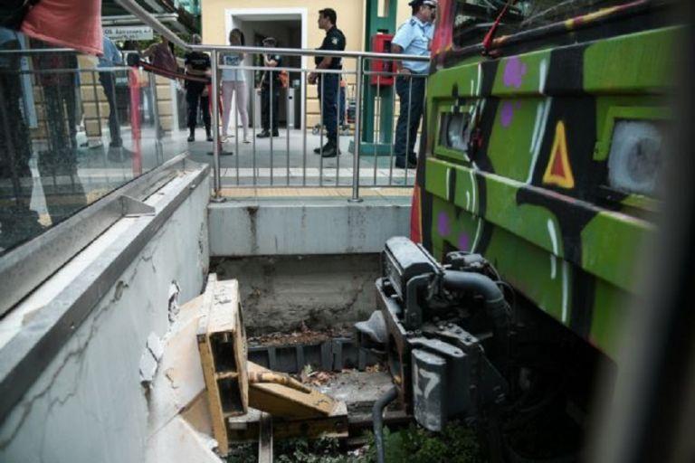 Ατύχημα στον ΗΣΑΠ : Συνελήφθη ο οδηγός του τρένου – Εξιτήριο για πέντε τραυματίες   to10.gr