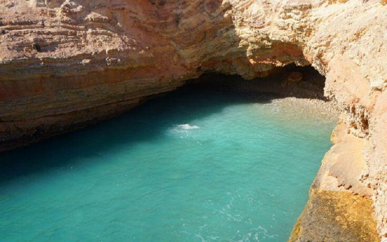 Η μικρή παραλία στο Άνω Κουφονήσι που ασπρίζει σαν το… γάλα | to10.gr
