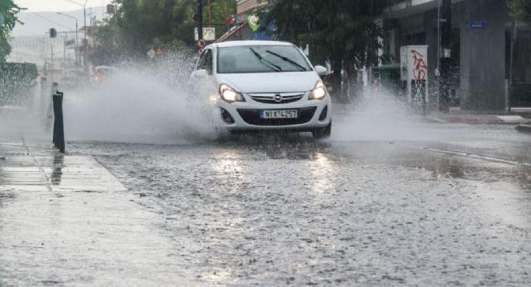 Καιρός : Ισχυρή καταιγίδα στη Θεσσαλονίκη – Πού εντοπίζονται προβλήματα | to10.gr