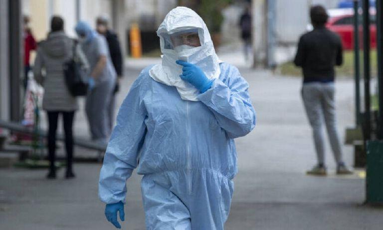 Οι «γκρίζες ζώνες» του κορωνοϊού – Θεωρίες, τοξικές ειδήσεις και κίνδυνοι για τη δημόσια υγεία   to10.gr