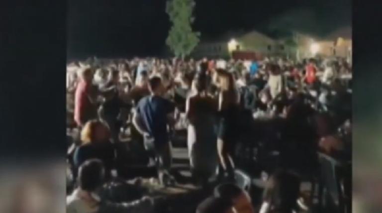 Κορωνοϊός : Συνωστισμός σε γλέντι 2.000 ατόμων στο Γουδί – Τι απαντούν οι διοργανωτές | to10.gr