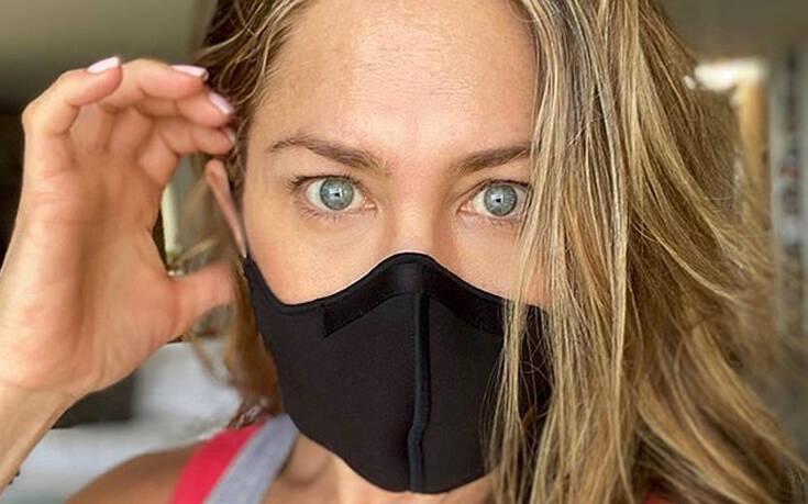 Ξέσπασε η Τζένιφερ Άνιστον: Φορέστε την αναθεματισμένη μάσκα   to10.gr