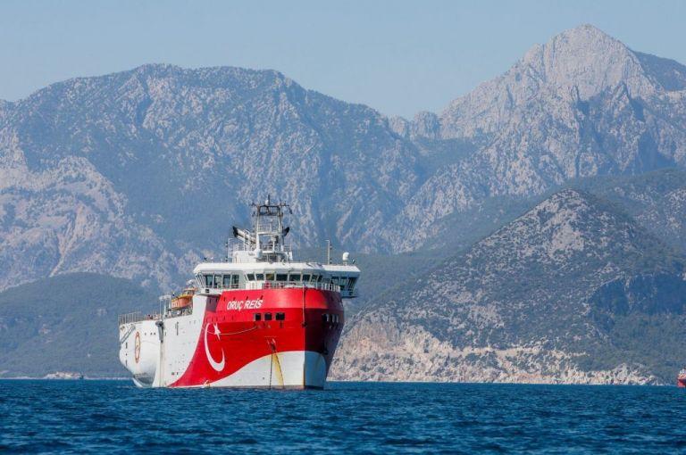 Σε ετοιμότητα το Πολεμικό Ναυτικό στο Αιγαίο – «Παιχνίδια» της Άγκυρας με το Oruc Reis   to10.gr