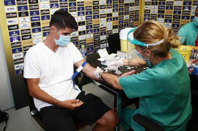 Ολοκληρώθηκαν αιματολογικές εξετάσεις και τεστ κορωνοϊού στην ΑΕΚ (pics) | to10.gr