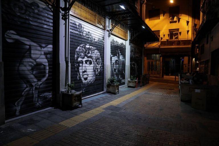 Κορωνοϊός : Κατεβάζουν «ρολά» μετά τα μεσάνυχτα τα μαγαζιά στην Αττική από Δευτέρα | to10.gr