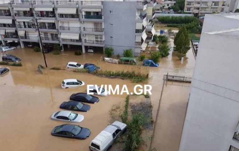 Εύβοια : Συγκλονιστικές μαρτυρίες από την κακοκαιρία – Το νερό παρέσυρε αυτοκίνητα | to10.gr