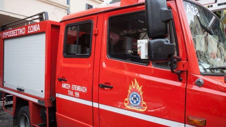 Μεταμόρφωση : Μεγάλη φωτιά σε εργοστάσιο πλαστικών – Κλειστή η Εθνική Οδός Αθηνών – Λαμίας | to10.gr