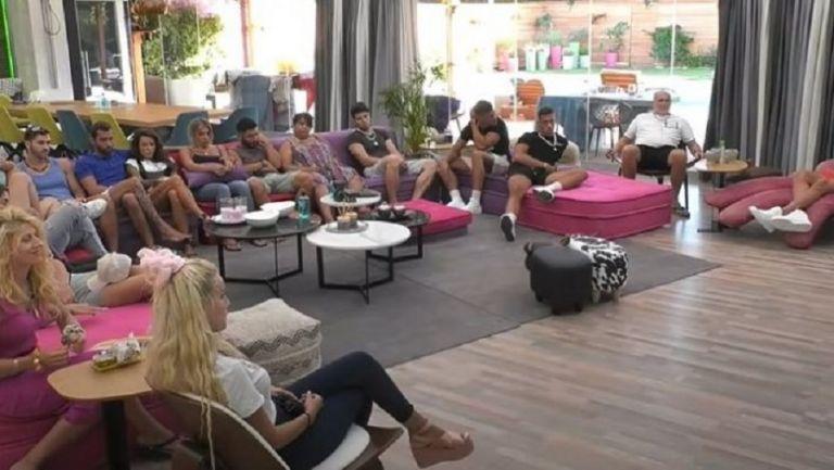 Ολόγυμνη παίκτρια του Big Brother : «Επεσε» το Live Streaming | to10.gr