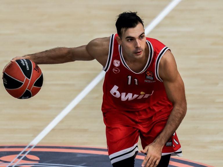 Σλούκας : «Πιστεύω στην ομάδα και στον προπονητή μου» | to10.gr
