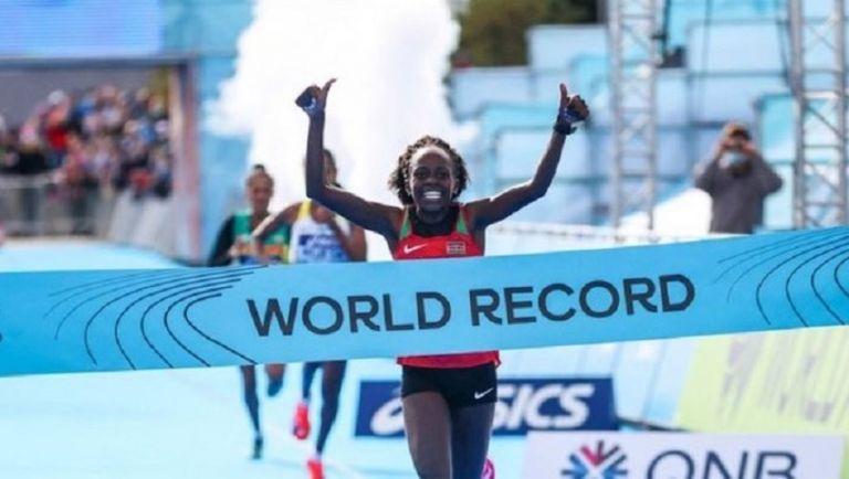 Νέο παγκόσμιο ρεκόρ από την Πέρες Τζεπτσιρτσίρ (pic) | to10.gr