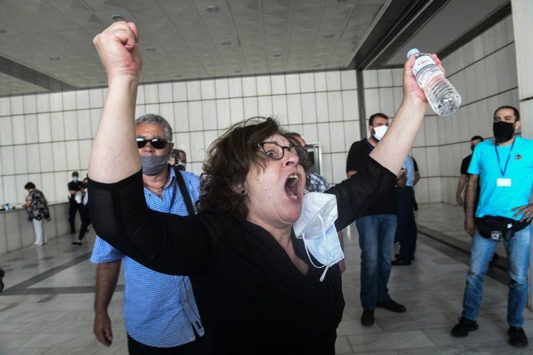 Δίκη Χρυσής Αυγής : Συγκλονίζει η αντίδραση της Μάγδας Φύσσα – «Παύλο μου νικήσαμε»   to10.gr