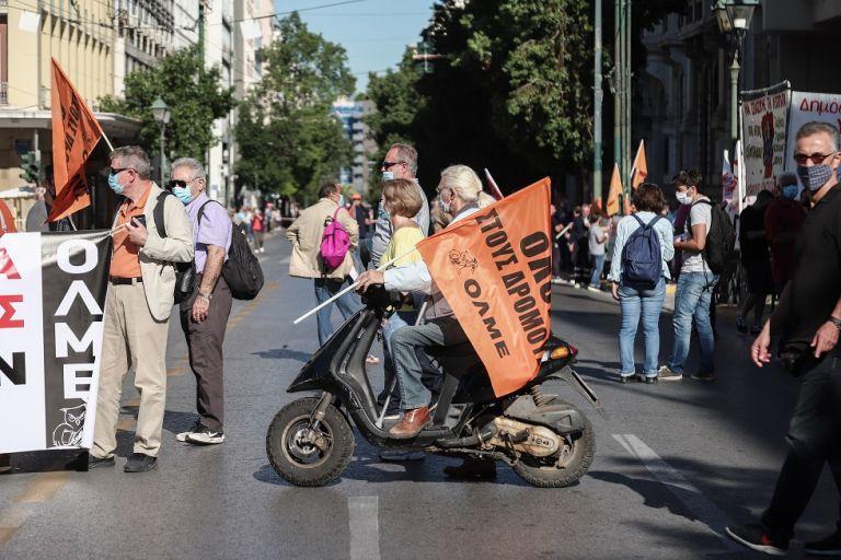 Απεργία ΑΔΕΔΥ : Κυκλοφοριακό χάος στο κέντρο – Κλειστοί δρόμοι, καθυστερήσεις στα ΜΜΜ   to10.gr