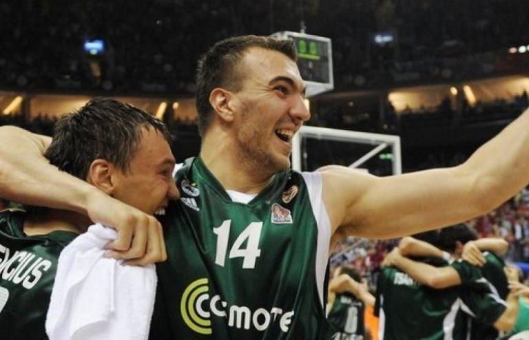 Σε κρίσιμη κατάσταση λόγω κορωνοϊού ο Πέκοβιτς (pic)   to10.gr