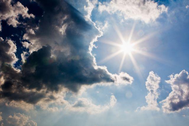 Καιρός : Περιορίζονται οι βροχές – Στους 26 βαθμούς η θερμοκρασία | to10.gr