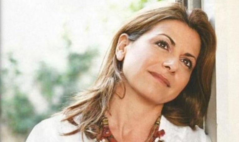 Μάγια Τσόκλη : Η απίστευτη εξομολόγησή της – «Ο πατέρας μου παντρεύτηκε την αδελφή της μητέρας μου»   to10.gr