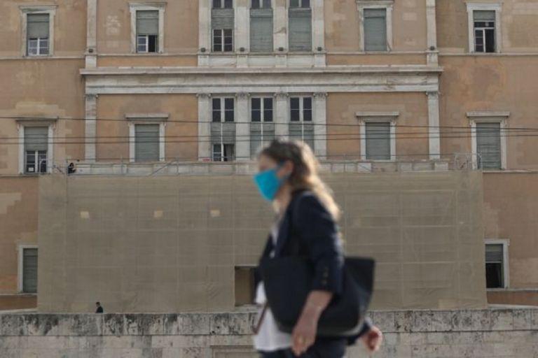 Κορωνοϊός : Η εκτίναξη των κρουσμάτων φέρνει μάσκες παντού και απαγόρευση κυκλοφορίας τη νύχτα – Εντός ημέρας οι ανακοινώσεις | to10.gr