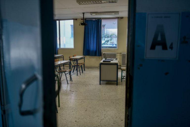 Κεραμέως : Το πιθανότερο τα σχολεία να ανοίξουν πριν τις γιορτές | to10.gr